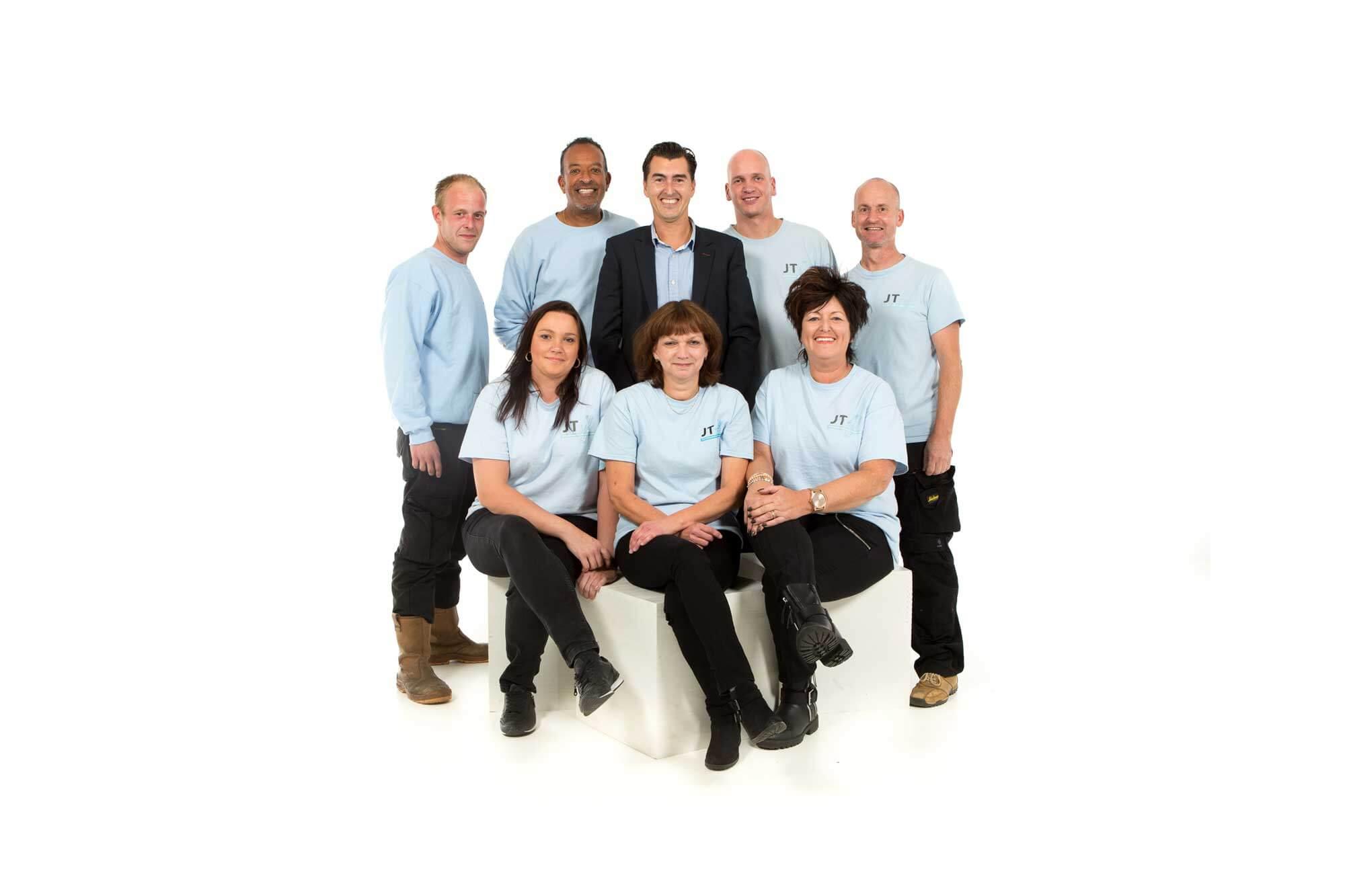 Ons schoonmaak en glazenwasser team